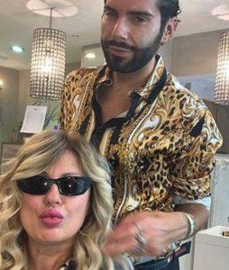 Federico Fashion Style fa uno scherzo a Tina Cipollari lei s
